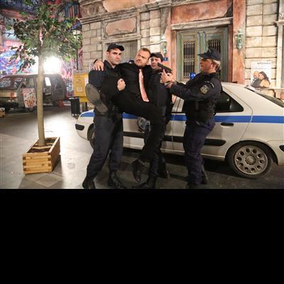 ΤΡΙΧΕΣ - Επεισόδιο 12 - Backstage
