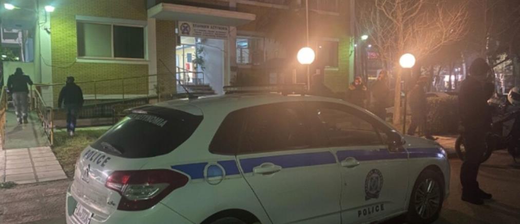 Επίθεση με μολότοφ σε αστυνομικό τμήμα