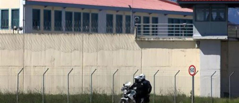 Ισοβίτης μαχαιρώθηκε από συγκρατούμενούς του στο Δομοκό