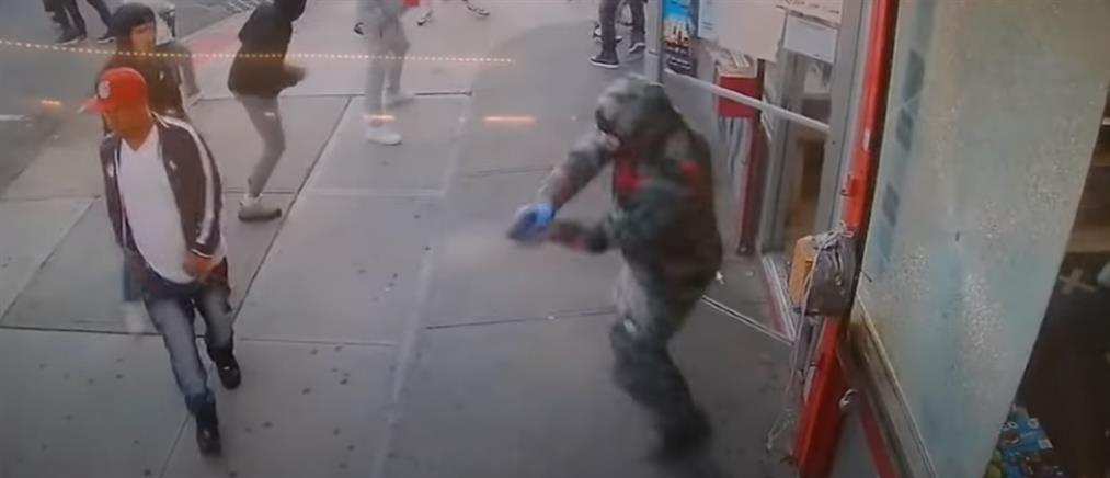 Πυροβολισμοί στο Μπρούκλιν: Σοκάρει το βίντεο-ντοκουμέντο