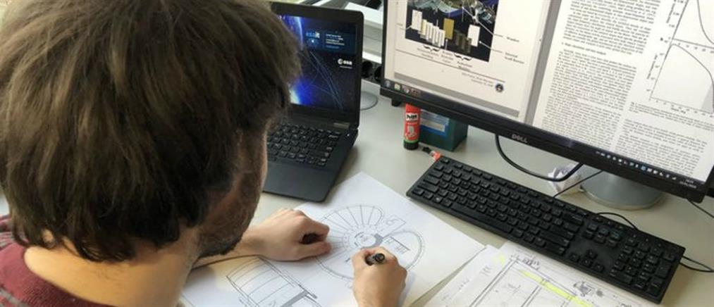 Έλληνας φοιτητής αρχιτεκτονικής σχεδιάζει κατοικίες στην… Σελήνη! (βίντεο)