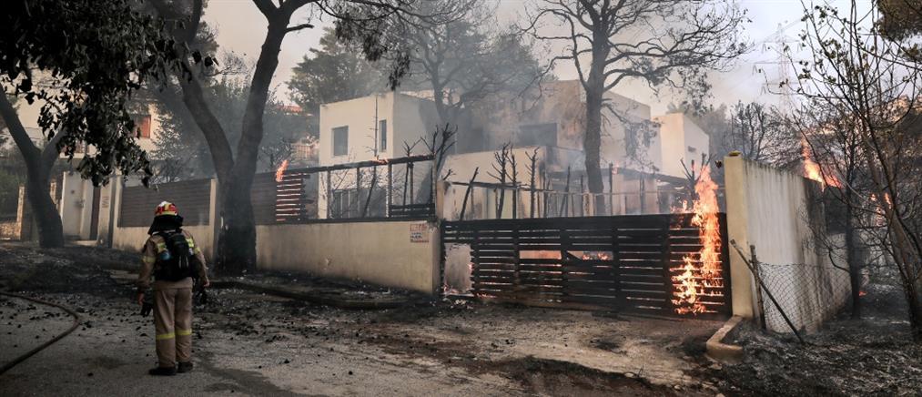 Φωτιά στη Βαρυμπόμπη - Μητσοτάκης: Εκτάκτως στο Συντονιστικό Κέντρο Επιχειρήσεων της Πυροσβεστικής