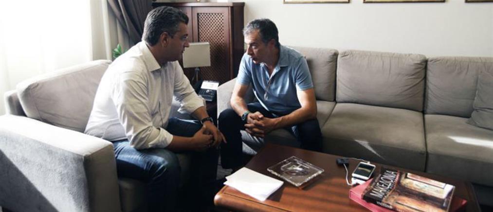Θεοδωράκης: Έχουμε αποκτήσει κώδικα επικοινωνίας με τον Τζιτζικώστα