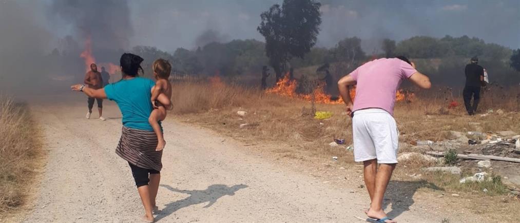 Εκκένωση οικισμών από φωτιά στην Κέρκυρα (εικόνες)