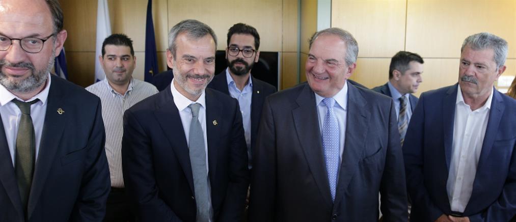 Στο Δημαρχείο Θεσσαλονίκης ο Κώστας Καραμανλής (εικόνες)