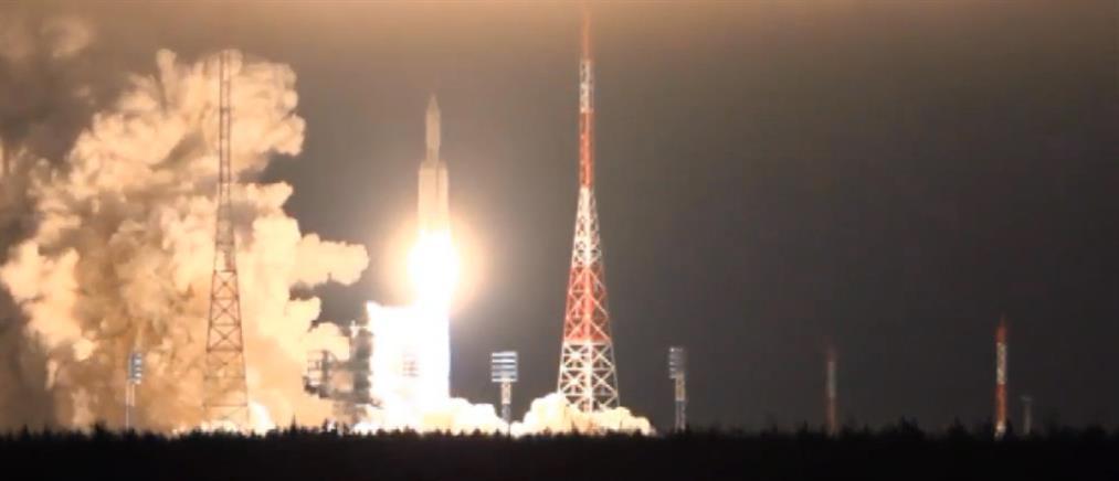 Ρωσία: Επικοινωνιακή αντεπίθεση με εκτόξευση νέου διαστημικού πυραύλου