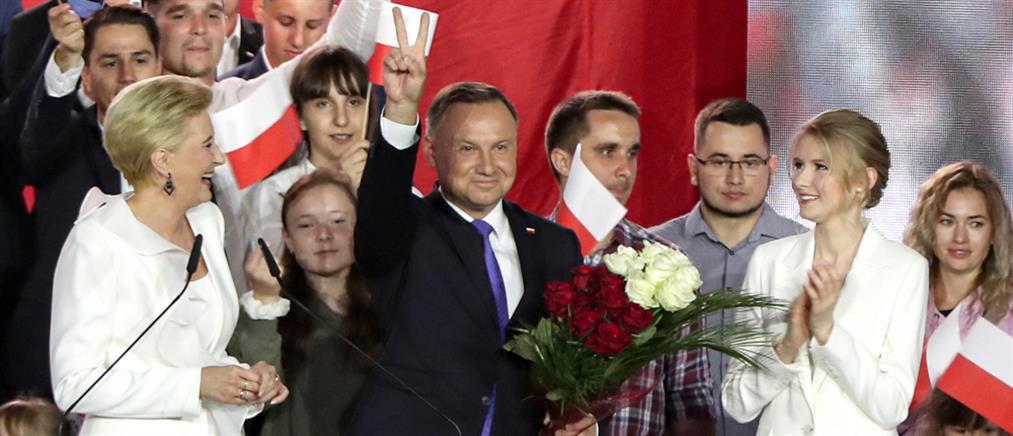 """Πολωνία: Μπροστά στη """"μάχη"""" για την προεδρία ο Ντούντα"""