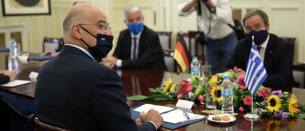 Δένδιας: Διάλογος δεν μπορεί να διεξαχθεί υπό το καθεστώς απειλών