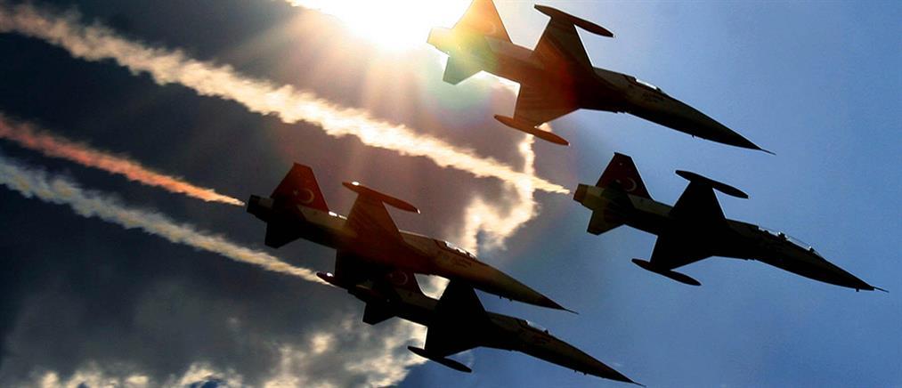 Μπαράζ τουρκικών παραβιάσεων και σκληρές αερομαχίες στο Αιγαίο