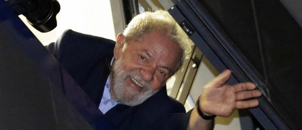 Φαβορί ακόμα και μέσα από τη φυλακή ο Λούλα