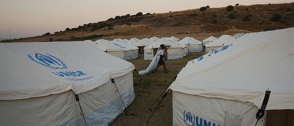 Μηταράκης: προτάσσεται η απέλαση για όσους είναι παράνομα στην Ελλάδα