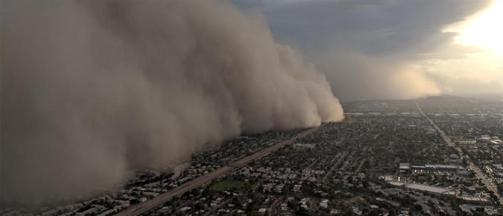 Βίντεο σοκ! Η στιγμή που γιγάντιο κύμα σκόνης καλύπτει ολόκληρη πόλη