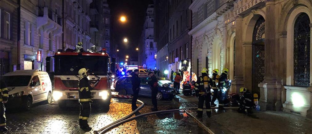 Αυξήθηκαν οι νεκροί από την πυρκαγιά σε ξενοδοχείο της Πράγας