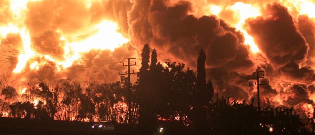 Ινδονησία: Έκρηξη και μεγάλη φωτιά σε διυλιστήριο (βίντεο)