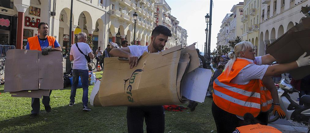 Απομάκρυνση των προσφύγων από την Πλατεία Αριστοτέλους (εικόνες)