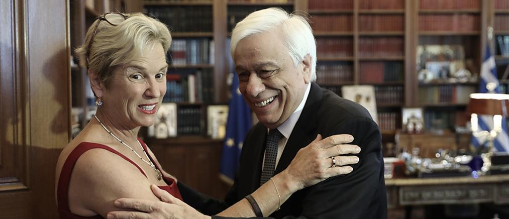 Παυλόπουλος: Εξήρε τη στάση της Κέρι Κένεντι για τα Γλυπτά του Παρθενώνα