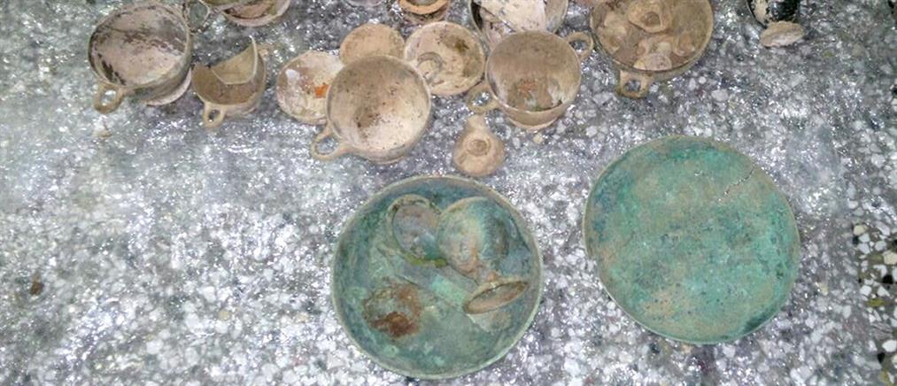 «Χειροπέδες» για παράνομη κατοχή αρχαιοτήτων