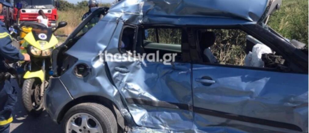 Θεσσαλονίκη: Νεκρή νεαρή οδηγός σε τροχαίο με λεωφορείο του ΟΑΣΘ (εικόνες)