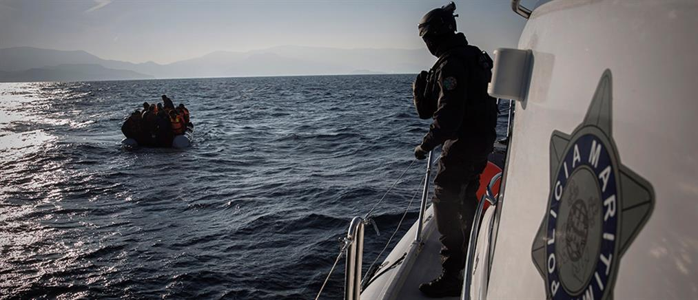 Η Frontex καλεί τα κράτη της ΕΕ να εντείνουν τις απελάσεις παράτυπων μεταναστών