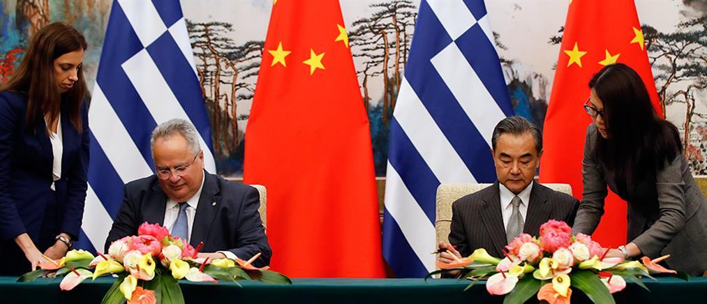 FAZ: η Ελλάδα συμπράττει με την Κίνα, αν κι έχει δεσμευθεί για το αντίθετο