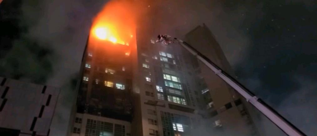 Ν. Κορέα: Φωτιά σε ουρανοξύστη (βίντεο)