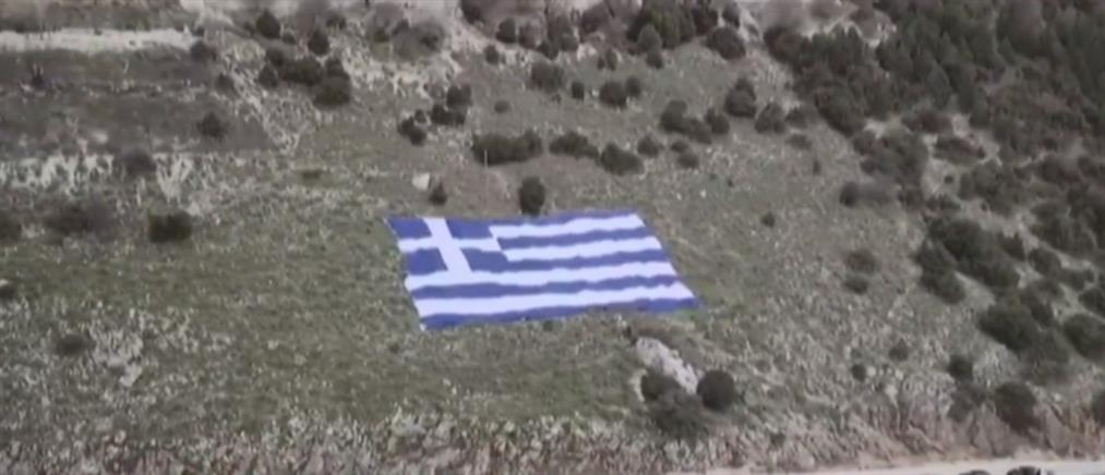 """25η Μαρτίου: Στα """"γαλανόλευκα"""" ολόκληρη η χώρα (βίντεο)"""