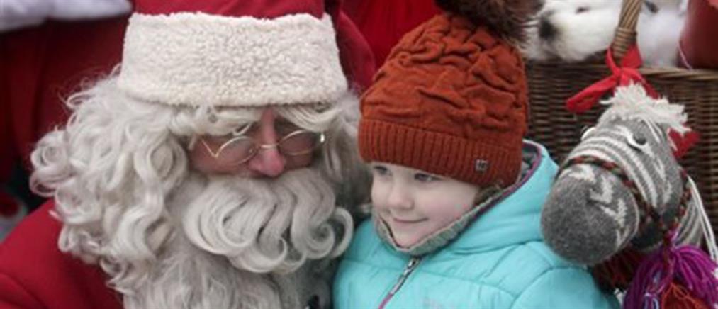 """""""Άγιος Βασίλης"""" πέθανε ενώ μοίραζε δώρα"""