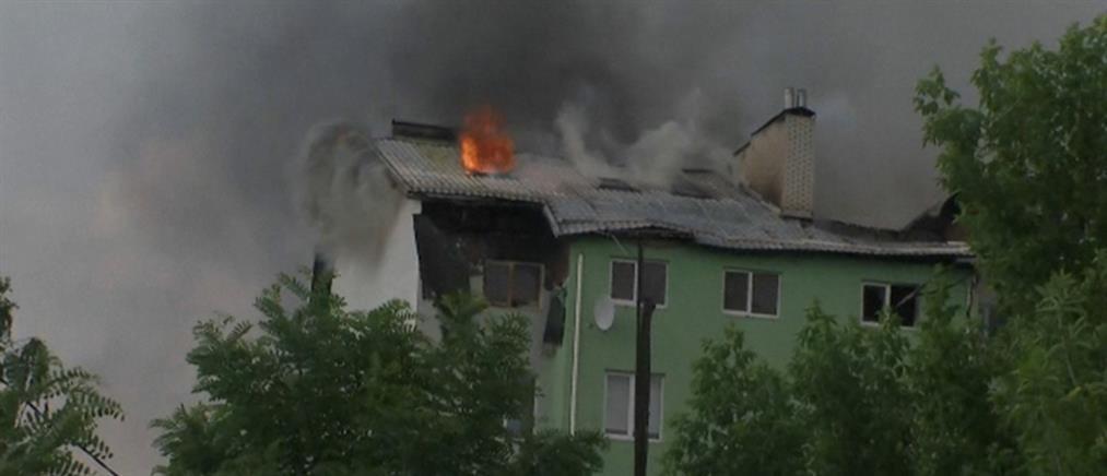 Ουκρανία: έκρηξη και φωτιά σε πολυκατοικία (εικόνες)