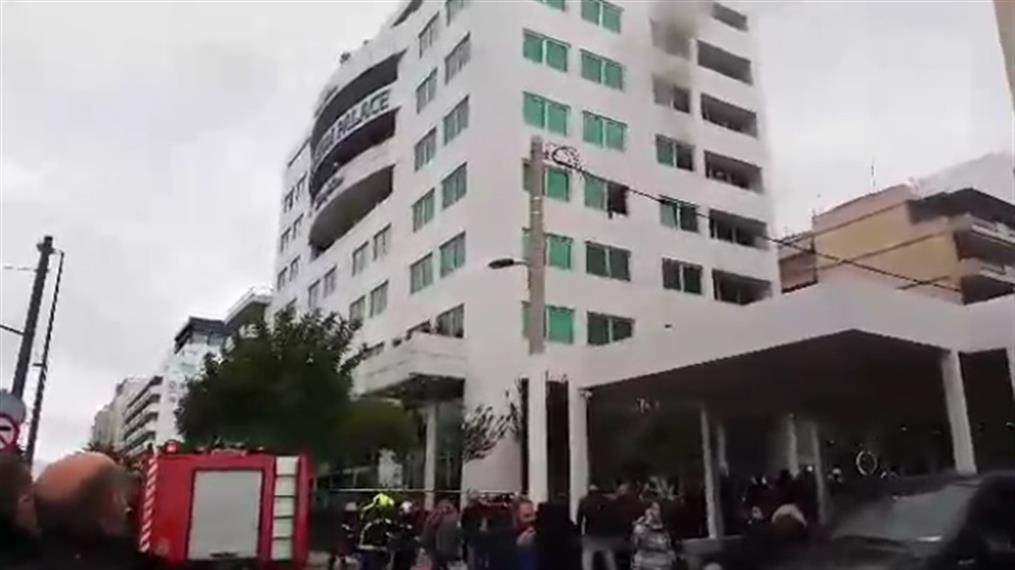 Φωτιά σε ξενοδοχείο στη Λεωφόρο Συγγρού