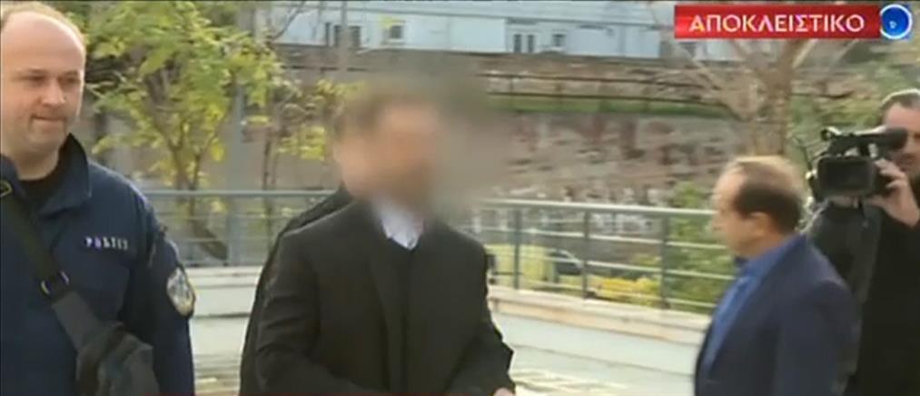 Ξεσπά η μητέρα του οδηγού ταξί στον ΑΝΤ1 για την δίκη με τον ηθοποιό (βίντεο)