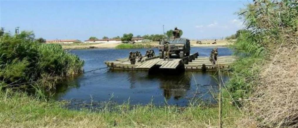 Εντυπωσιακή άσκηση του Στρατού στον Έβρο (εικόνες)