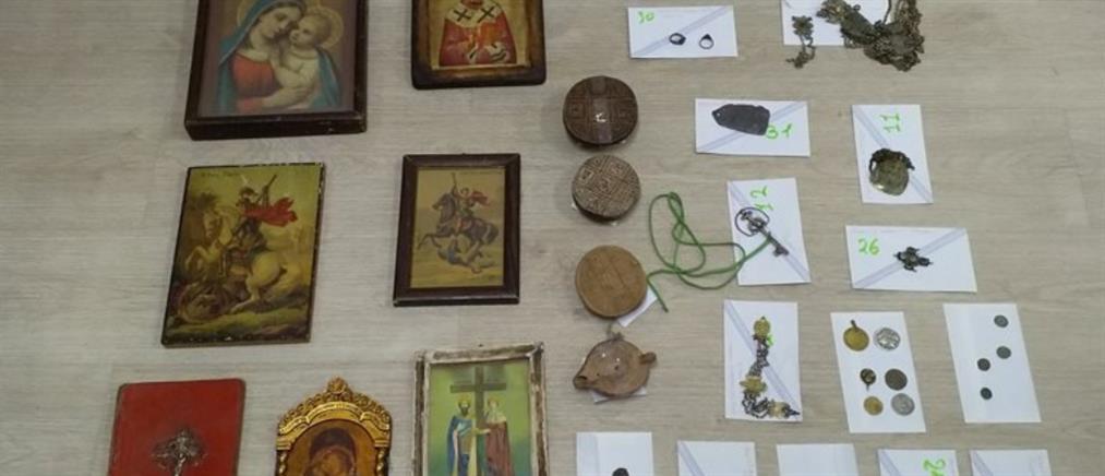 Ζευγάρι αρχαιοκάπηλων συνελήφθη στην Θεσπρωτία (εικόνες)