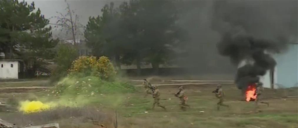 Αποκλειστικό ΑΝΤ1: Εντυπωσιακή στρατιωτική άσκηση Ελλήνων και Αμερικανών (βίντεο)