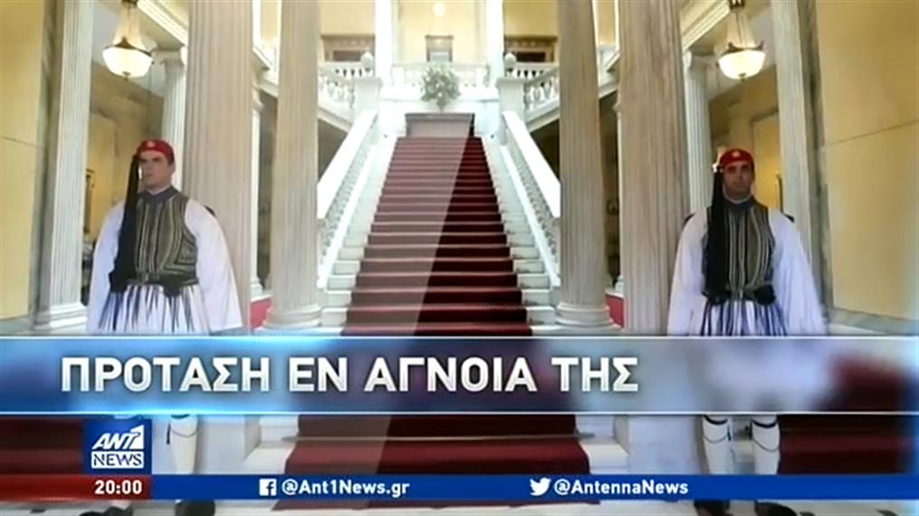 """""""Βροχή"""" οι αντιδράσεις στην πρόταση Βαρουφάκη για την Προεδρία της Δημοκρατίας"""