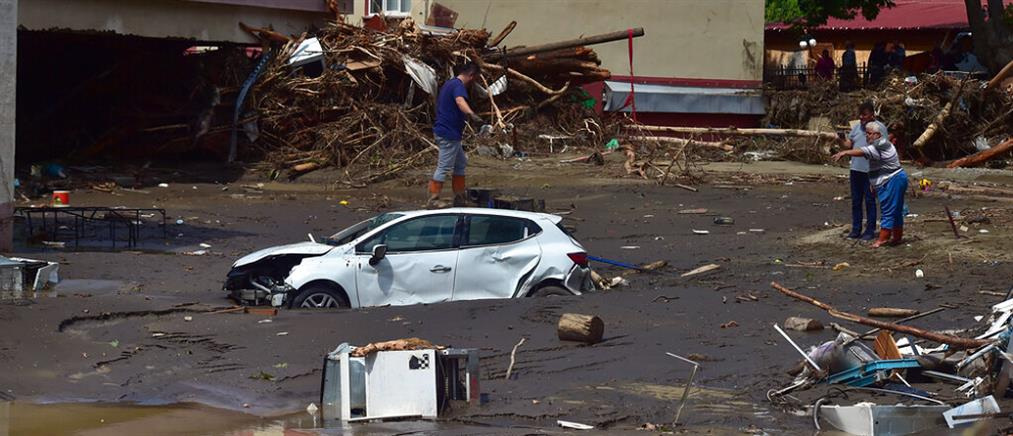 Πλημμύρες στην Τουρκία: χάος με δεκάδες νεκρούς (εικόνες)