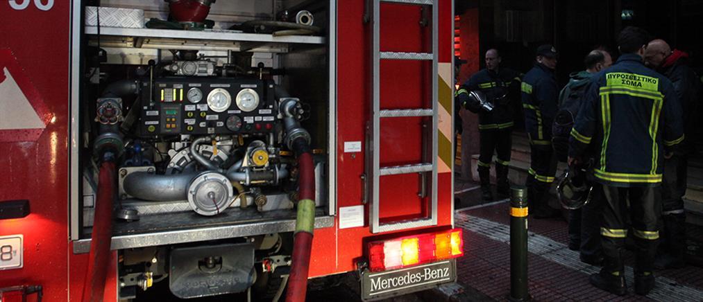 Πυρκαγιά σε κτήριο στη Νέα Φιλαδέλφεια
