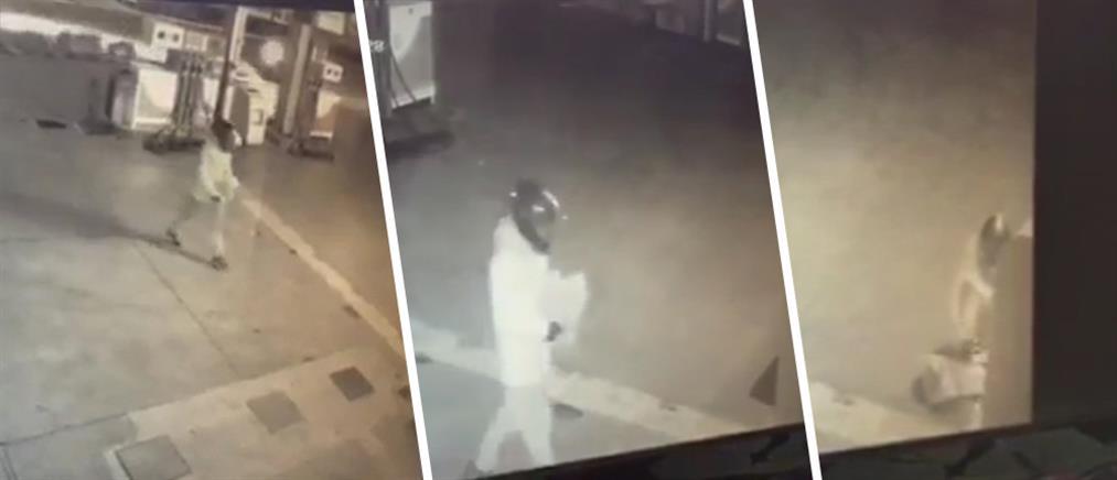 Βίντεο: η στιγμή που οι δράστες βάζουν τα εκρηκτικά στο βενζινάδικο στην Ανάβυσσο