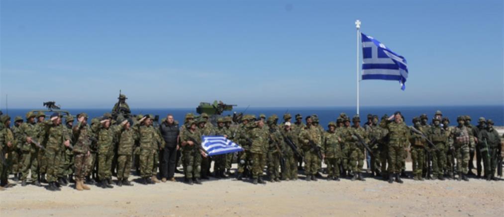 """Ο ΣΥΡΙΖΑ """"πυροβολεί"""" τον Καμμένο για την στρατιωτική θωράκιση των νησιών"""