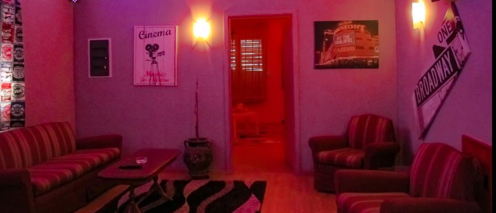 Κορονοϊός: Έφοδος αστυνομικών σε οίκους ανοχής – 17 συλλήψεις