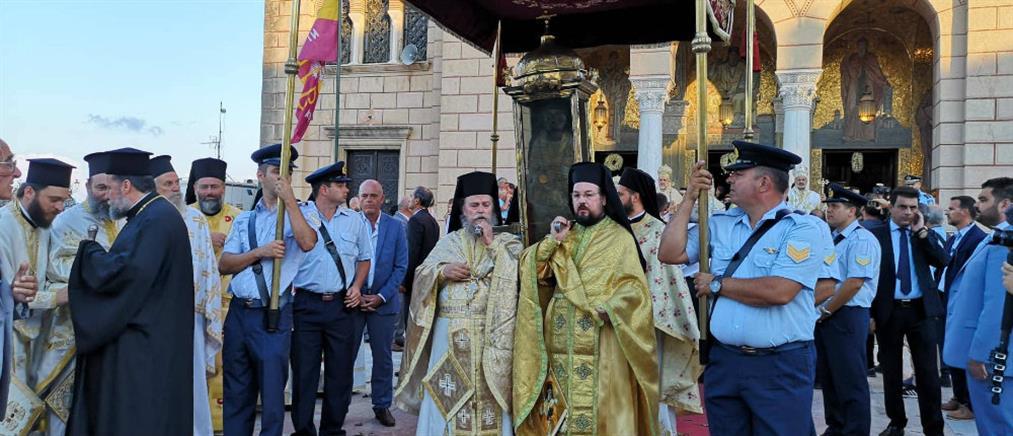 Ζάκυνθος: Σε πανηγυρική ατμόσφαιρα η λιτανεία του Αγίου Διονυσίου (εικόνες)