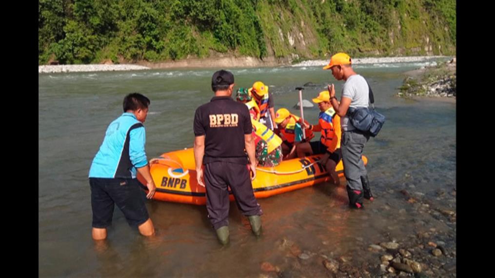 Νεκροί από κατάρρευση πεζογέφυρας στην Ινδονησία
