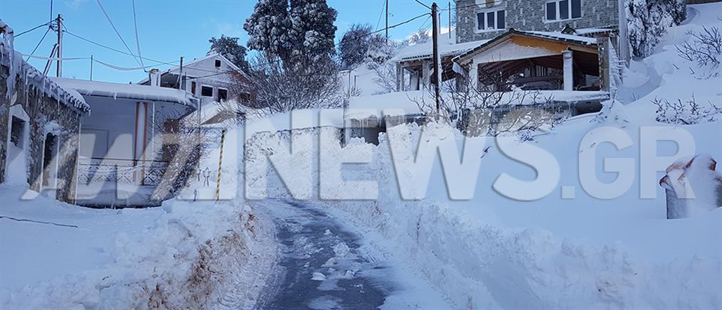 Σέττα: Ο ΑΝΤ1 στο χωριό της Εύβοιας που θάφτηκε από το χιόνι (βίντεο)