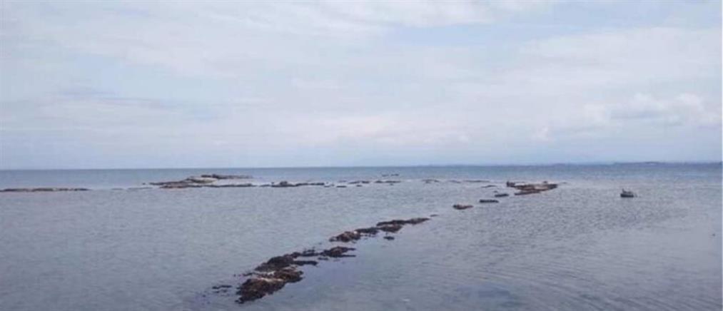 Κυλλήνη: Υποχώρησε η θάλλασα και αποκαλύφθηκε το Αρχαίο Λιμάνι (εντυπωσιακές εικόνες)