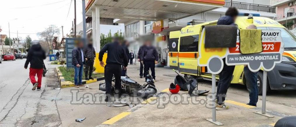 Τραυματισμός διανομέα σε τροχαίο (εικόνες)
