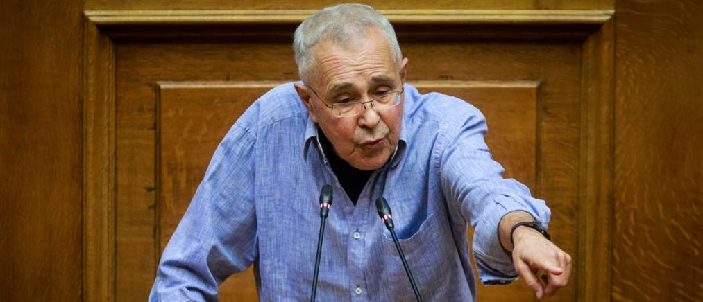 """Ζουράρις: ο Μητσοτάκης είναι """"μαξυλάκας"""" και """"ασχετίλας"""""""