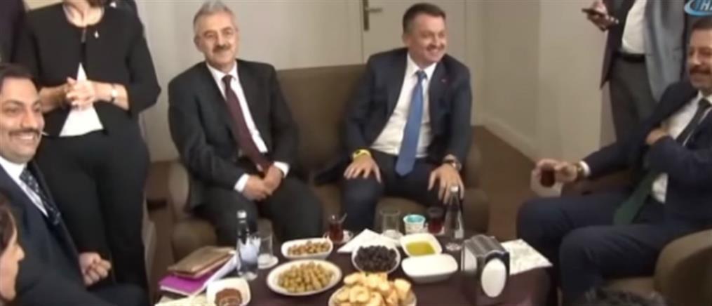 """""""Στο πυρ το εξώτερον"""" Τούρκος Υπουργός, γιατί… του αρέσει το κρητικό λάδι (βίντεο)"""