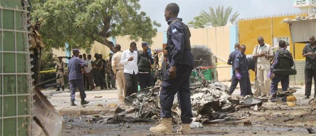 Νεκροί στρατιωτικοί σε σύγκρουση ελικοπτέρων