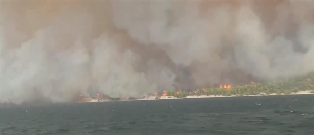 Φωτιά στην Εύβοια: Μήνυμα 112 για τις Κεχριές