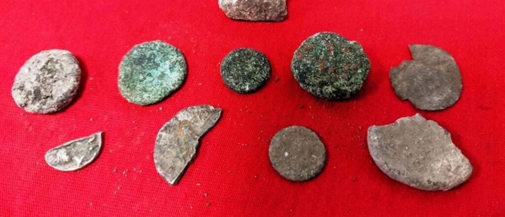 Έκλεβε αρχαία από την Αμφίπολη (εικόνες)