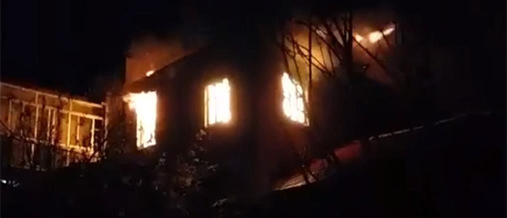 Τραυματισμός γυναίκας από φωτιά στο σπίτι της